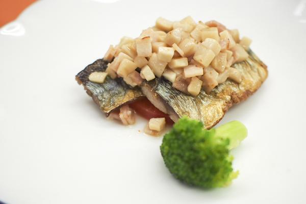 秋刀魚の温マリネ